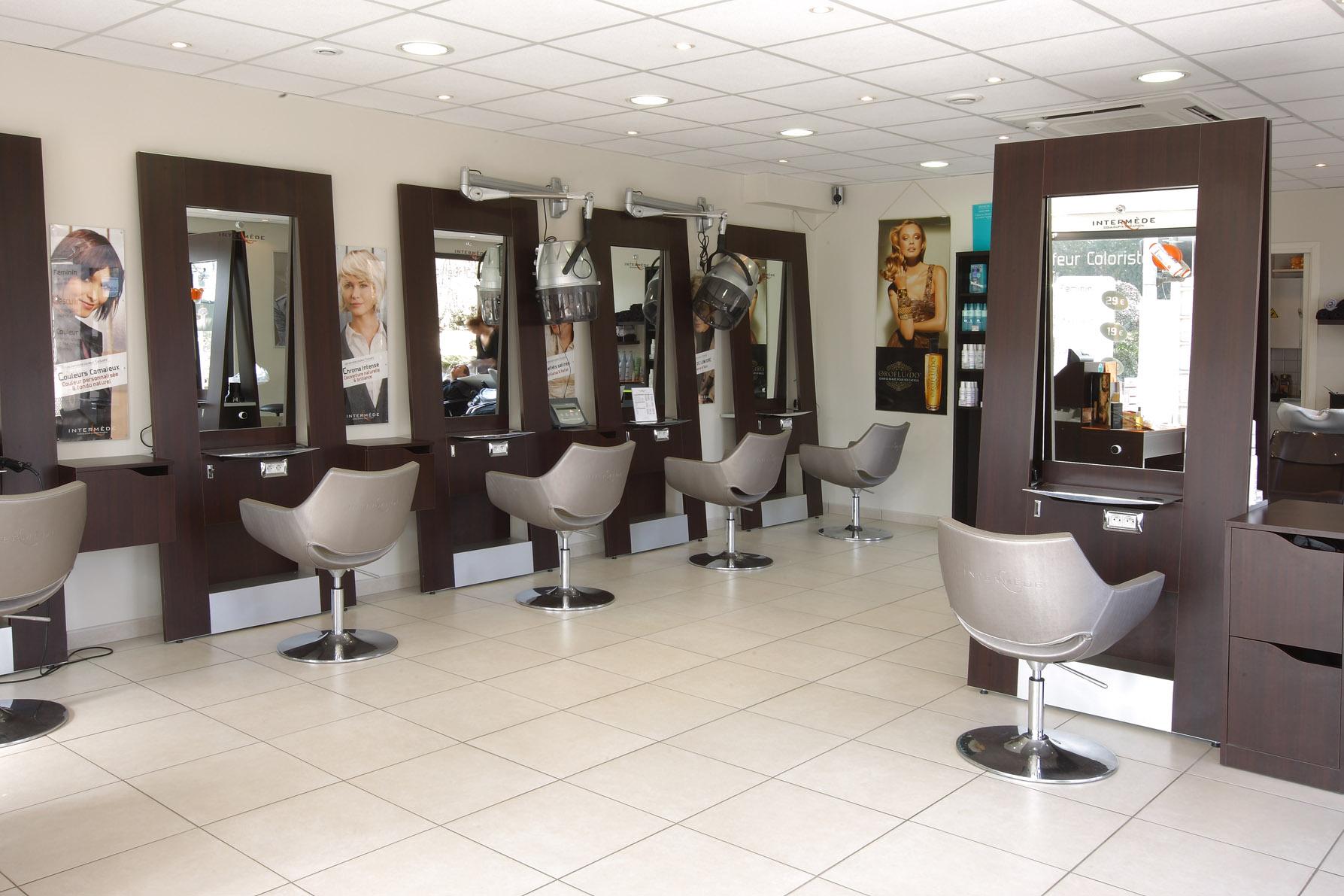 Intermäde_salon